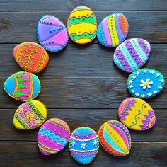 49 отметок «Нравится», 2 комментариев — Елена Переверзева (@kolibrielena) в Instagram: «Почти Фаберже. Только их еще и скушать можно! Пряничные пасхальные яйца для ивент-агенства…»