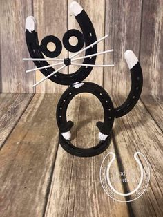 Excited to share this item from my shop: Horseshoe Cat Horseshoe Decor Horseshoe Art Home Decor Unique Gift Cat Lover Kitty Pet Farmhouse Rustic Welding Art Projects, Welding Crafts, Metal Art Projects, Metal Crafts, Diy Projects, Horseshoe Projects, Horseshoe Crafts, Horseshoe Art, Metal Sculpture Artists