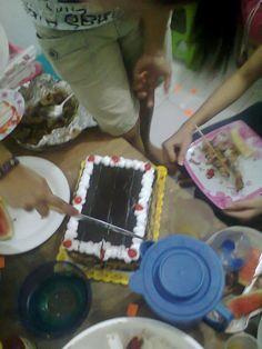 ..simple moist chocolate cake :)