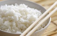 Decrease rice& glycemic index and increase health benefits. Learn how to use coconut oil to make low carb rice that& delicious and performance-boosting. Crock Pot Cooking, Cooking Tips, Crock Pots, Rice Recipes, Paleo Recipes, Meat Recipes, Slow Cooker Recipes, Crockpot Recipes, Mexican Food Recipes