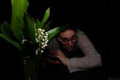 Nouvelle Photo : La femme et le Muguet de Mai – Portfolio Beauté Féminine  Bonjour,  A l'occasion du 1er mai, j'ai réalisé quelques photo de Portrait avec mon modèle ainsi que mon bouquet de muguet. Je vous invite à découvrir la photo La femme et le Muguet de Mai....   #1ermai #bouquet #brin #brindemuguet #clochette #clochettes #fêtedutravail #fleur #florale #mai #muguet #Portrait #PortraitdeFemme #PortraitFéminin Occasion, Ainsi, Photos, Wedding Portraits, Work Party, May 1, Photo Shoot, Pictures