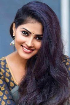 Beautiful Blonde Girl, Beautiful Girl Indian, Beautiful Girl Image, Indian Hair Cuts, Long Indian Hair, Cute Beauty, Beauty Full Girl, Beauty Women, Brunette Beauty