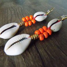 Boucle d'oreille double cauri et perles abacus orange