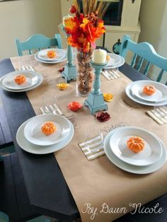 Kraft Paper Table Runner & Simple Thanksgiving Tablescape | bydawnnicole.com