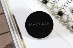 Гель-подводка для век Mary Kay.