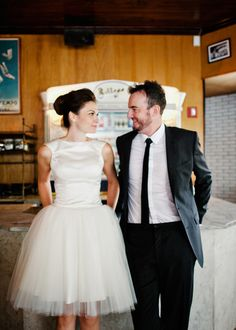 Love this retro bride and groom