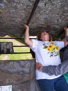 ★⋆⋆❀╰☆╮❀⋆⋆★ KiSSiNG THe BLaRNeY SToNe...