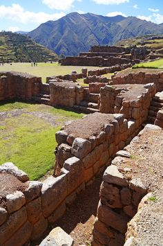 Inca ruins of Chinchero, Peru Machu Picchu, Bolivia, Central America, South America, Inca Architecture, Abandoned Cities, Ancient Mesopotamia, Ancient Buildings, Mesoamerican
