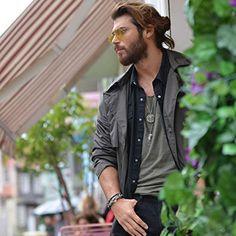Demet Özdemir and Can Yaman in Episode Turkish Men, Turkish Beauty, Turkish Actors, Hot Actors, Actors & Actresses, Man Bun Hairstyles, Deepika Padukone Style, Just Beautiful Men, Beard Styles For Men