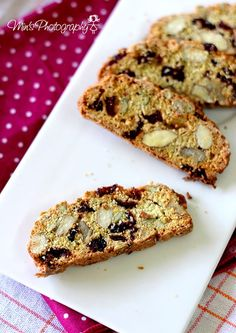 Cranberry, Walnut and Almond Biscotti.. These are delicious!!!!♥ 2 Cups = 300g...140g = 5/8 cups...130g = 1 cup + 1/16