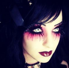 Cool makeup idea for Halloween!