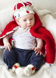 Royal Baby Crochet Costume Free! Create royal booties, crown and a cape for a baby, awesome diy crochet costume idea and pattern! Free Pattern More Great Looks Like This