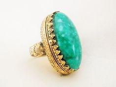 Vintage Poison Ring Oval Green Marbled Glass by MemawsTopDrawer