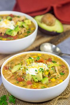This White Bean Turkey Chili is an easy and tasty way to use leftover roasted turkey from the holidays! And this chili only takes about 30 minutes to make too! Chili Recipes, Turkey Recipes, Gourmet Recipes, Soup Recipes, Healthy Recipes, Recipies, Fall Recipes, Delicious Recipes, Enchiladas