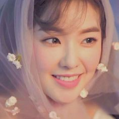 Find images and videos about red velvet, irene and bae joohyun on We Heart It - the app to get lost in what you love. Irene Red Velvet, Red Velvet Seulgi, Kpop Girl Groups, Korean Girl Groups, Kpop Girls, Foto Gif, Red Valvet, Girl Cakes, Snsd