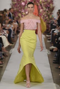 Oscar de la Renta RTW Spring 2015.  Love pink and yellow.  Sampled yellow walls with a pale pink ceiling in my hallway.  Lovely but could not get all the other rooms off the hall to work.