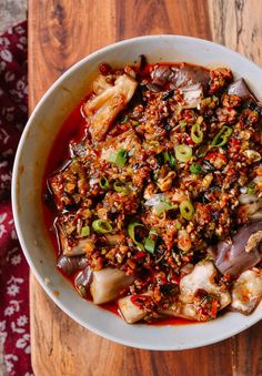 The Woks Of Life Our Favorite Traditional Chinese Vegan Dishes - Over The Years However Like Many People Weve Started To Eat Much More Veggies And Are Actively Trying To Eat Less Meat That Means More Vegan Recipes Heres A Roundup Of Our Favorite Tr Vegan Dinner Recipes, Vegan Recipes Easy, Asian Recipes, Vegetarian Recipes, Vegan Vegetarian, Chinese Food Vegetarian, Rice Recipes, Vegetarian Dim Sum, Ethnic Recipes