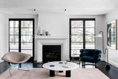 Arent & Pyke updates home for a gallerist with monochromatic rooms