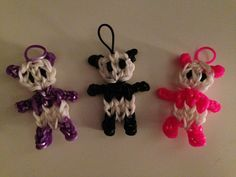 Rainbow Loom PANDA (revised Designed and loomed by Dana Lenz with… Rainbow Loom Tutorials, Rainbow Loom Patterns, Rainbow Loom Creations, Rainbow Loom Bands, Rainbow Loom Charms, Rainbow Loom Bracelets, Loom Love, Fun Loom, Rainbow Loom Animals