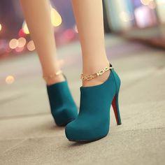 Wow  YES or NO?(  ) . . . . . . . . . #heels #shoes #pumps #platformheels #greenheels #shoesoftheday #highheels #stilettos #loveheels #ladiesshoes #shoesinsta #redbottomheels #partyshoes #newheels #shoesblogger #heelsaddict