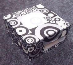 Boîte à cartes