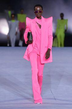 Balmain Spring 2021 Ready-to-Wear Collection | Vogue Fashion Week Paris, Runway Fashion, Fashion News, Spring Fashion, High Fashion, Fashion Show, Fashion Outfits, Fashion Design, Fashion Trends