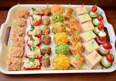 RULADA DIN PIEPT DE PUI CU OUA - Rețete Fel de Fel Krispie Treats, Rice Krispies, Muffins, Vegan Desserts, Pasta Salad, Cooking Recipes, Vegetables, Ethnic Recipes, Food