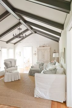 Belgian Chic In A Ranch Traditional Living Room Nashville Kristie Barnett The Decorologist Beams Benjamin Moore Kendall Charcoal Ceiling