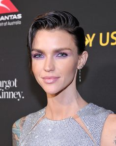 Ruby Rose Short Side Part - Ruby Rose wore her short hair in a gelled side-parted style at the 2018 G'Day USA Black Tie Gala.