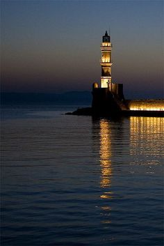 Chania lighthouse / Beacon lights