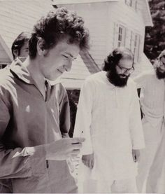 Bob Dylan andAllen Ginsberg