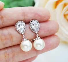 GORGEOUS teardrop swarovski crystal earrings.