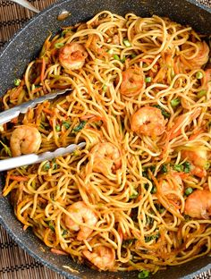Slimming Eats Low Syn Sweet Chilli Prawns and Noodles - dairy free, Slimming World and Weight Watchers friendly Prawn Noodle Recipes, Seafood Recipes, Cooking Recipes, King Prawn Recipes, Recipes With Prawns, Cooked Prawn Recipes, Easy Prawn Recipes, Prawn Stir Fry, Chilli Prawns