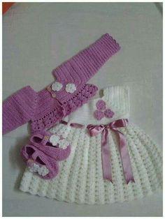 Baby Crochet Patterns Part 11 - Beautiful Crochet Patterns and Knitting Patterns Crochet Baby Dress Pattern, Baby Girl Crochet, Crochet Baby Clothes, Crochet For Kids, Knit Crochet, Baby Patterns, Knitting Patterns, Crochet Patterns, Baby Set