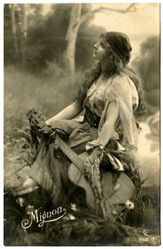 Old Photo - Beautiful Gypsy #2 - The Graphics Fairy