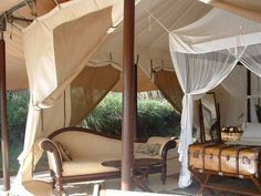 Luxury safari cottage. I want to go to Africa...