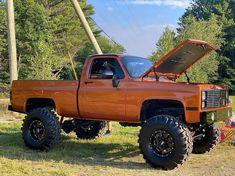 Jacked Up Trucks, Gm Trucks, Cool Trucks, Mudding Trucks, Chevy 4x4, Chevy Pickup Trucks, Lifted Chevy, Overland Truck, Classic Pickup Trucks