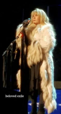 Stevie  ~ ☆♥❤♥☆ ~    wearing THAT coat onstage during the concert held at the CenturyLink Center, Bossier City, LA on Friday, March 10th, 2017 during her '24 Karat Gold' US 2017 tour