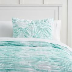 Cozy And Cute Mermaid Bedding Set Design For Girl Teen - GetDesignIdeas Tie Dye Bedding, Aqua Bedding, Twin Xl Bedding, Coastal Bedding, Comforter Sale, Teen Bedding, Mermaid Bedding, Mermaid Bedroom, Home Decor
