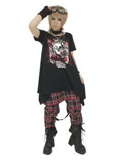 Asymmetry T-Shirt Skull Black x Red. #punkfashion #Gothic #Deorart See more at: http://www.cdjapan.co.jp/apparel/deorart.html
