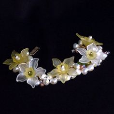 """""""Daff-a-Down-Dilly"""" Bracelet of Pearls and Vintage Lucite Daffodils, by K for 'Trifles & Whimsy' on Etsy"""
