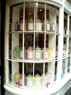 London shopping: Mrs Kibble's Olde Sweet Shoppe | Wee Birdy