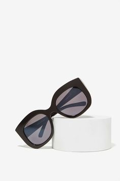 Quay Monroe Shades at Nasty Gal