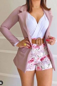 Classy Dress, Classy Outfits, Stylish Outfits, Girls Fashion Clothes, Fashion Dresses, African Print Fashion, Short Outfits, Look Fashion, Ideias Fashion