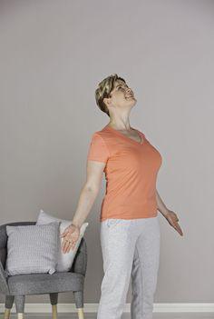 Tällä pienellä liikkeellä saat ryhtisi kohenemaan helposti | Kodin Kuvalehti