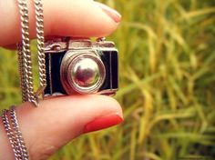 The camera necklace <3