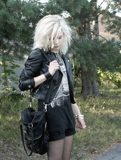 I L-O-V-E everything about this outfit. Especially the cute bag, and jacket.