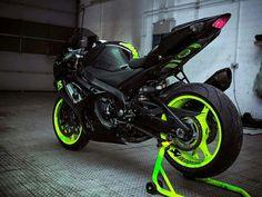 2014 Suzuki GSX-R 1000 Green Fluorescent love this Ducati, Motos Honda, Custom Sport Bikes, Gsxr 600, Suzuki Motorcycle, Cool Motorcycles, Kawasaki Motorcycles, Speed Bike, Audi A5