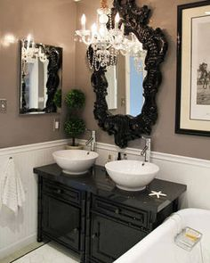Bathroom with a touch of GLAM!
