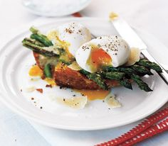 Eggs, roasted asparagus on toast